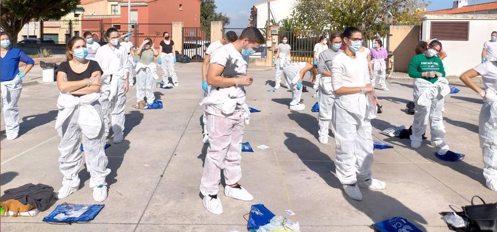 Estudiantes de la Facultad de Enfermería de Algeciras participan en un simulacro de asistencia sanitaria de biopeligrosidad